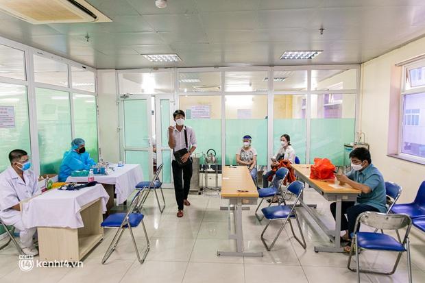 Người Sài Gòn rủ nhau đi hiến máu trước tình trạng kho máu ở BV Chợ Rẫy cạn kiệt - Ảnh 17.