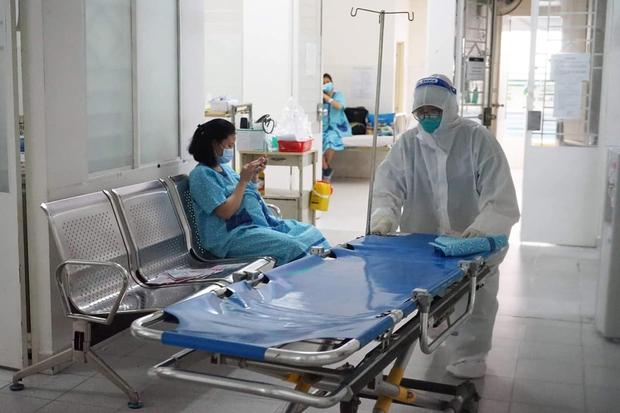 Bên trong bệnh viện điều trị nhiều sản phụ mắc Covid-19 nhất TP.HCM - Ảnh 6.