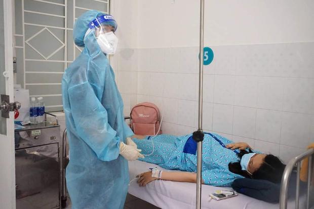 Bên trong bệnh viện điều trị nhiều sản phụ mắc Covid-19 nhất TP.HCM - Ảnh 4.
