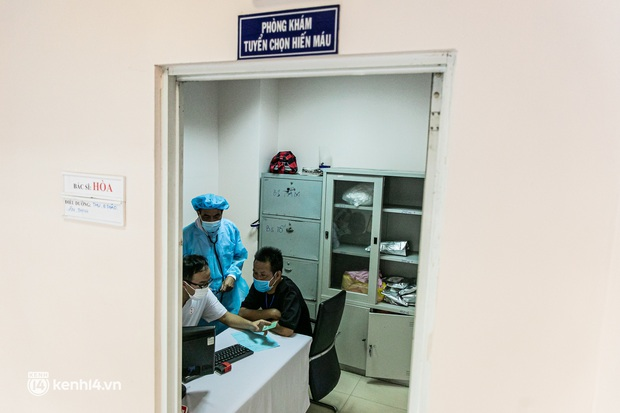 Người Sài Gòn rủ nhau đi hiến máu trước tình trạng kho máu ở BV Chợ Rẫy cạn kiệt - Ảnh 7.