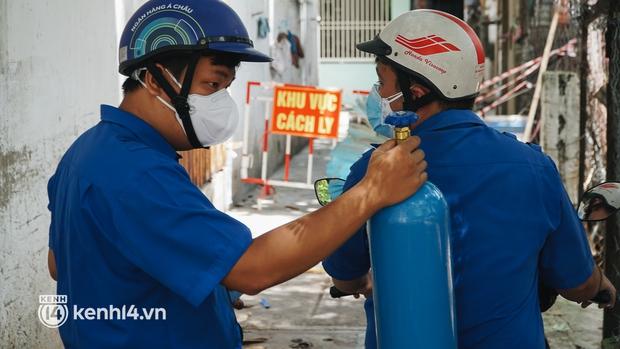 """""""Cha đẻ"""" ATM gạo cho ra đời ATM Oxy và câu chuyện bình oxy cứu sống một người cha ở Sài Gòn trong đêm - Ảnh 12."""