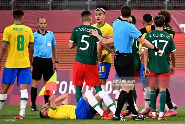 Hủy diệt Mexico trên chấm luân lưu cân não, Brazil vào chung kết Olympic 2020 - Ảnh 6.