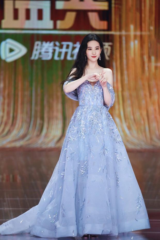 Những nàng công chúa đẹp kinh diễm nhất Cbiz: Angela Baby - Dương Mịch đẹp nghẹt thở, vẫn bị Nhiệt Ba diễm lệ đè bẹp - Ảnh 20.
