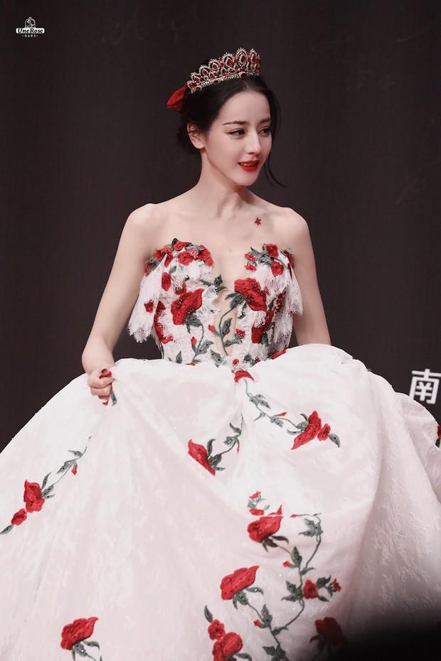 Những nàng công chúa đẹp kinh diễm nhất Cbiz: Angela Baby - Dương Mịch đẹp nghẹt thở, vẫn bị Nhiệt Ba diễm lệ đè bẹp - Ảnh 14.