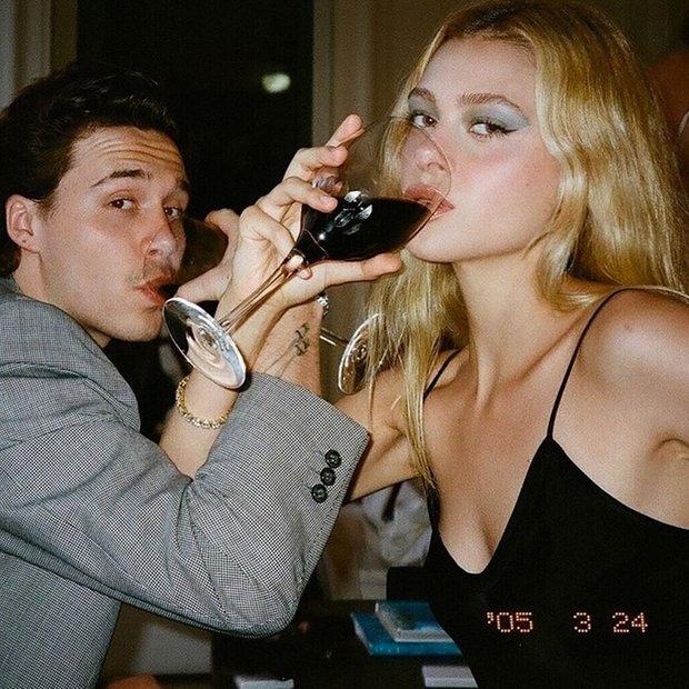 Vợ chồng David Beckham ủng hộ con dâu tài phiệt debut làm đạo diễn, bỗng Brooklyn lại bị réo tên mỉa mai vì 1 lí do - Ảnh 7.