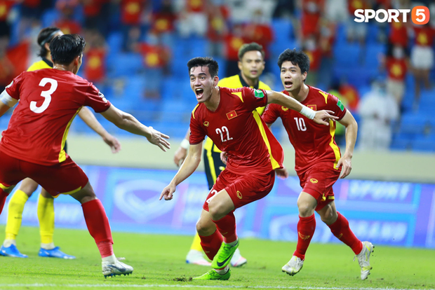 Hàng công tuyển Việt Nam vắng Công Phượng, còn mất cả tiền đạo ghi nhiều bàn nhất lịch sử Vòng loại World Cup? - Ảnh 1.
