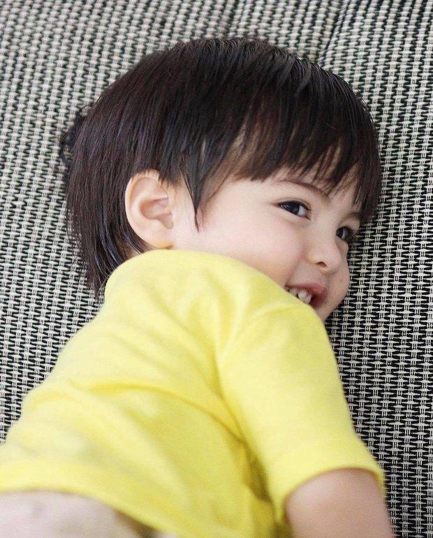 Mỹ nhân đẹp nhất Philippines khoe ảnh đôi long phượng cực phẩm, cậu em đẹp long lanh không át nổi cô chị xinh như thiên thần - Ảnh 6.