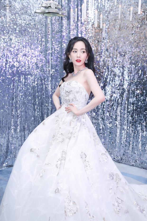 Những nàng công chúa đẹp kinh diễm nhất Cbiz: Angela Baby - Dương Mịch đẹp nghẹt thở, vẫn bị Nhiệt Ba diễm lệ đè bẹp - Ảnh 11.