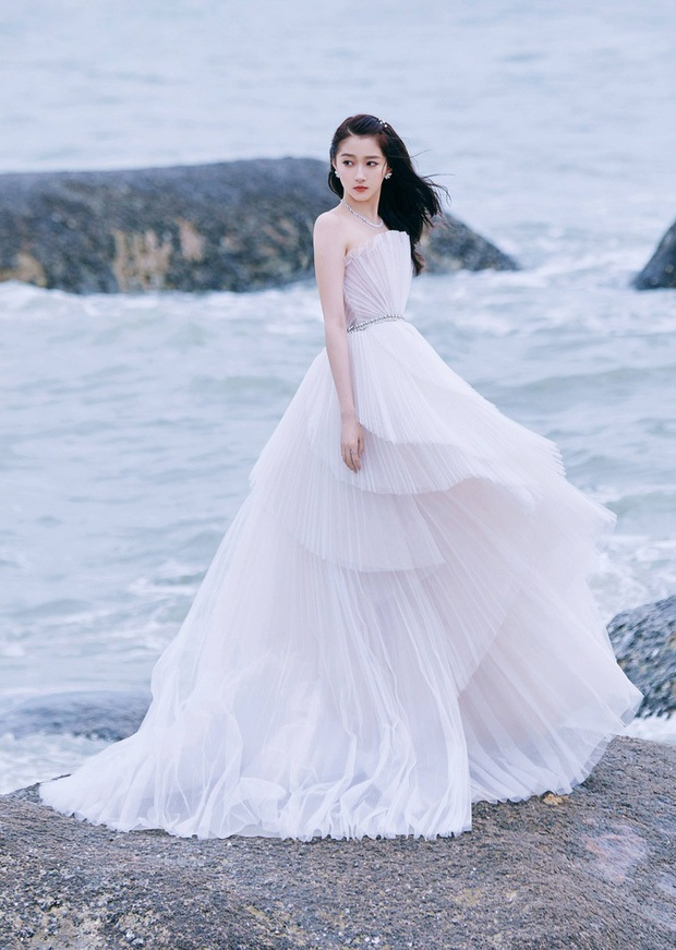 Những nàng công chúa đẹp kinh diễm nhất Cbiz: Angela Baby - Dương Mịch đẹp nghẹt thở, vẫn bị Nhiệt Ba diễm lệ đè bẹp - Ảnh 42.