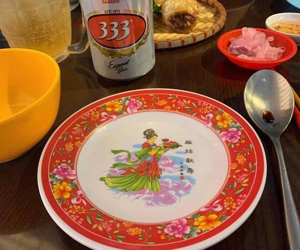 Tiên nữ bê đĩa đào là ai? Truyền thuyết gắn liền với chiếc đĩa sứ cô tiên nhà nào cũng có - Ảnh 4.