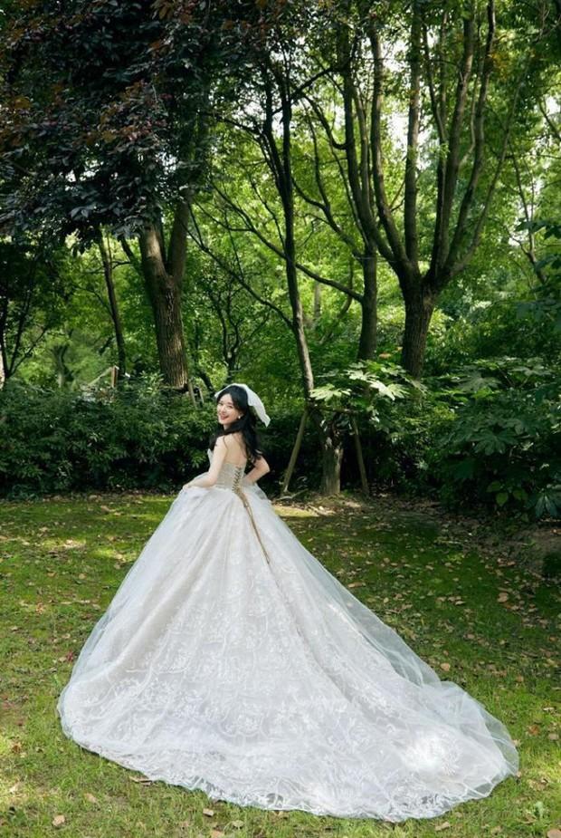 Những nàng công chúa đẹp kinh diễm nhất Cbiz: Angela Baby - Dương Mịch đẹp nghẹt thở, vẫn bị Nhiệt Ba diễm lệ đè bẹp - Ảnh 32.