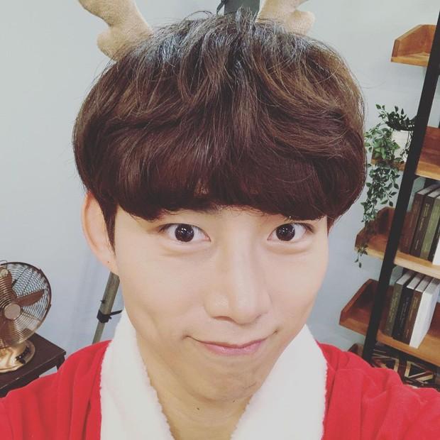 Chóng mặt với loạt sao hạng A của Hàn nhưng vào Instagram cứ tưởng… nick clone: Ông tổ out nét, bà chúa rung lắc, dòm hình mà ngỡ chụp lúc động đất! - Ảnh 29.