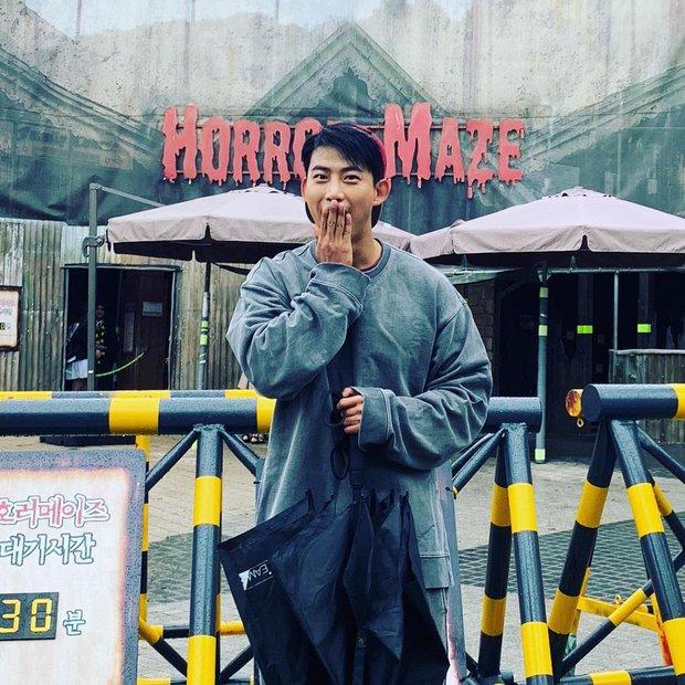 Chóng mặt với loạt sao hạng A của Hàn nhưng vào Instagram cứ tưởng… nick clone: Ông tổ out nét, bà chúa rung lắc, dòm hình mà ngỡ chụp lúc động đất! - Ảnh 28.