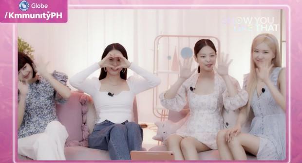 Jennie diện váy tay bồng cực cute mà vẫn sang chảnh, thích nhất là có nhiều mẫu rẻ chỉ bằng 1/3 mà xinh không kém cho chị em đây - Ảnh 1.