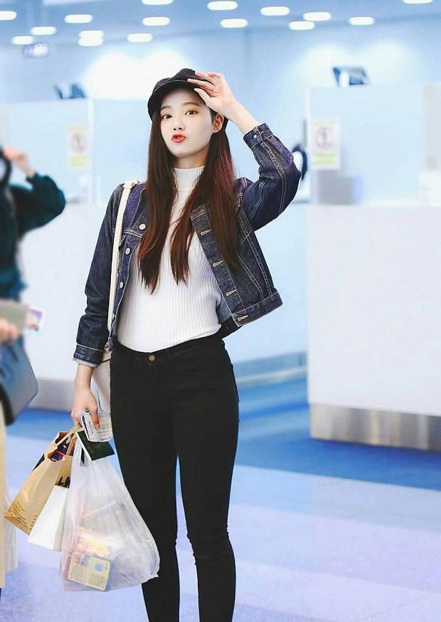 Soi mạnh style Yeonwoo: Lúc hẹn hò Lee Min Ho rõ giản dị mà lên sân khấu thì loa chảo ê hề! - Ảnh 2.
