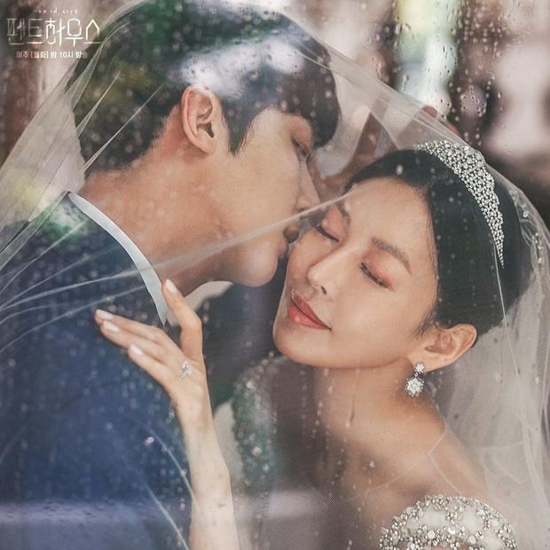 Dàn sao chụp ảnh cưới Penthouse 3 mùa cũng gây bão: Lee Ji Ah - Logan và cặp của Eugene đẹp xỉu, đỉnh nhất body Kim So Yeon - Ảnh 7.