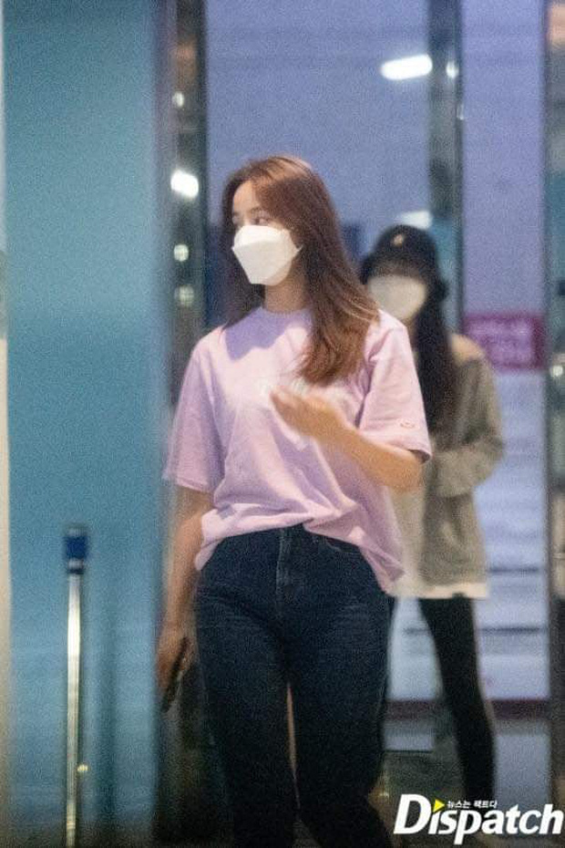 Soi mạnh style Yeonwoo: Lúc hẹn hò Lee Min Ho rõ giản dị mà lên sân khấu thì loa chảo ê hề! - Ảnh 16.