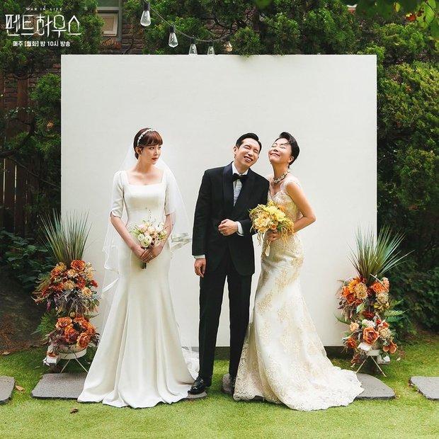 Dàn sao chụp ảnh cưới Penthouse 3 mùa cũng gây bão: Lee Ji Ah - Logan và cặp của Eugene đẹp xỉu, đỉnh nhất body Kim So Yeon - Ảnh 20.