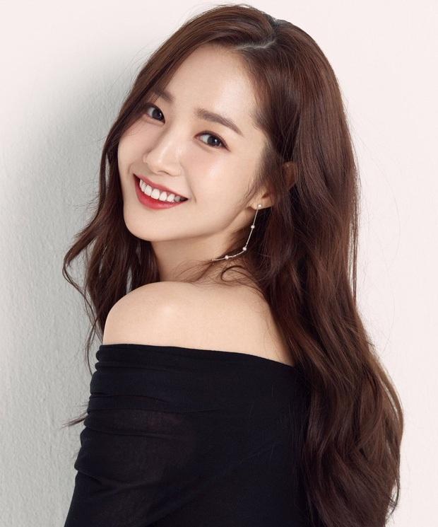 3 bạn gái của Lee Min Ho: Toàn mỹ nhân vừa ngây thơ vừa sexy, Park Min Young - Suzy level nữ thần, Yeonwoo thắng về độ phô bày - Ảnh 4.