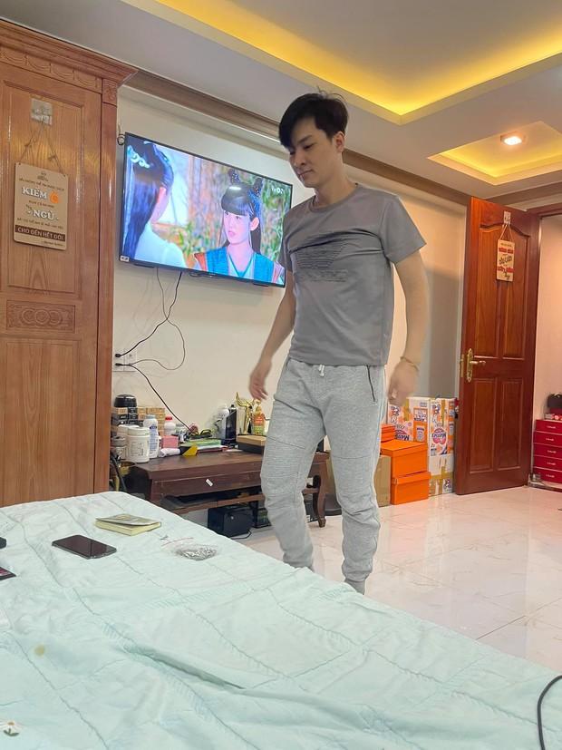 3 ngày sau tuyên bố ly thân, Lâm Khánh Chi tiết lộ 2 thay đổi của chồng nhưng vì sao vẫn chưa cho ngủ chung? - Ảnh 2.