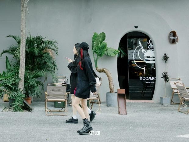 Dương Mịch lần đầu lộ diện hậu tin đồn bị phong sát sau Triệu Vy, soi trang phục nhận ra ngay tâm trạng hiện tại - Ảnh 5.