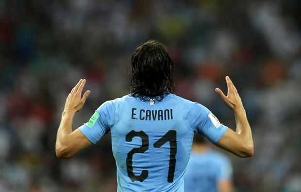 Theo luật, Cavani vẫn không được phép nhường số 7 cho Ronaldo sau khi Daniel James rời đi - Ảnh 2.