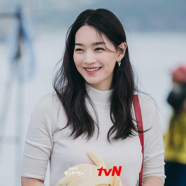 Hometown Cha-Cha-Cha: Kim Seon Ho - Shin Min Ah và một bộ phim khiến người xem hạnh phúc - Ảnh 7.