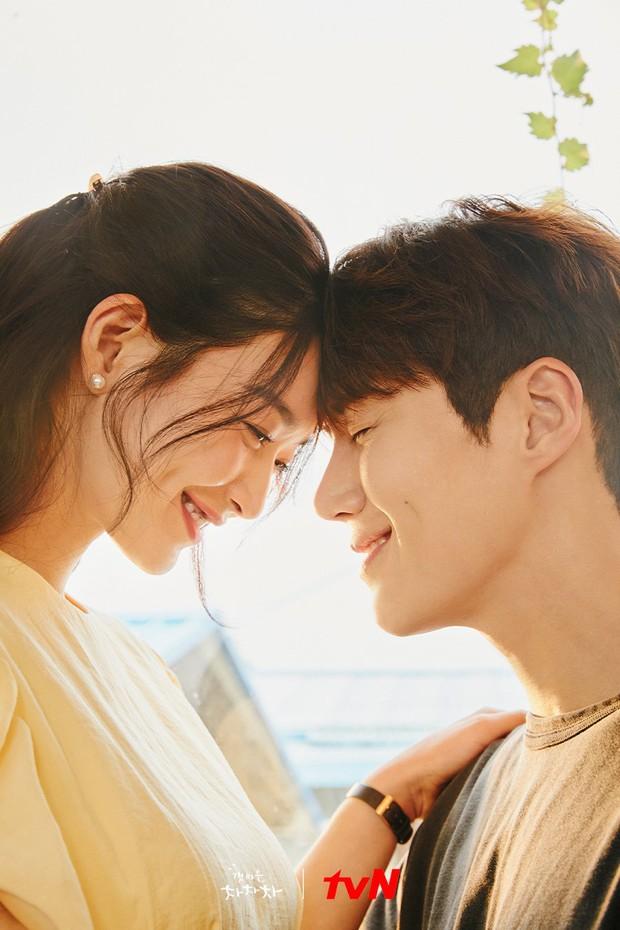 Hometown Cha-Cha-Cha: Kim Seon Ho - Shin Min Ah và một bộ phim khiến người xem hạnh phúc - Ảnh 9.