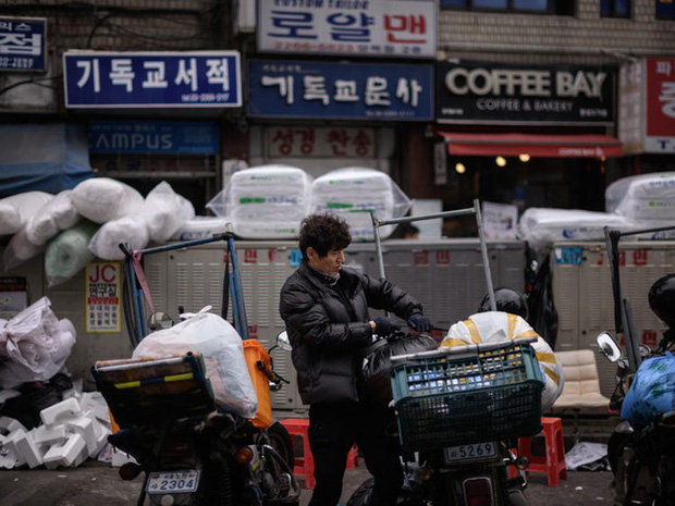 Thêm một cái chết của shipper hé lộ hiện thực tàn khốc của ngành giao nhận ở Hàn Quốc, bất chấp tính mạng để hàng đến tay khách nhanh nhất - Ảnh 4.