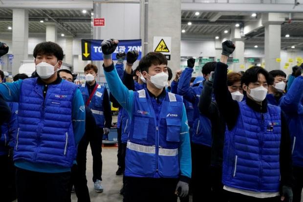 Thêm một cái chết của shipper hé lộ hiện thực tàn khốc của ngành giao nhận ở Hàn Quốc, bất chấp tính mạng để hàng đến tay khách nhanh nhất - Ảnh 7.