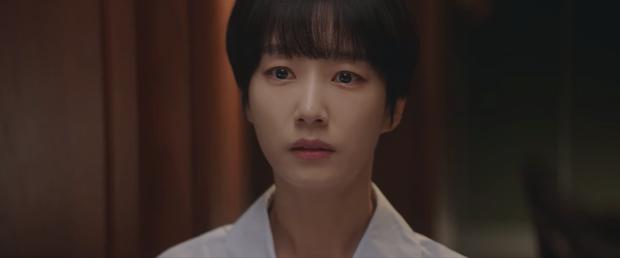 Hospital Playlist 2 sắp hết mà vẫn còn 5 bí ẩn quá lớn: Song Hwa - Ik Jun dễ friendzone mãi mãi, đôi Bồ Câu và nhà Gấu vẫn chưa đâu vào đâu? - Ảnh 7.