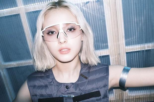 Somi - Nancy quả thực tương phản nhau, ngay từ việc nhuộm tóc bạch kim đã thể hiện phần nào - Ảnh 4.