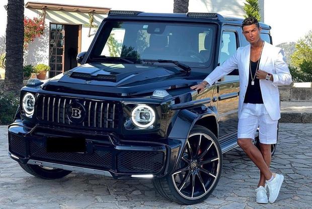 Ronaldo khoe Mercedes G-Class được bạn gái tặng sinh nhật: Chỉ có 10 chiếc trên toàn thế giới, giá đắt gấp 5 lần G 63 - Ảnh 1.