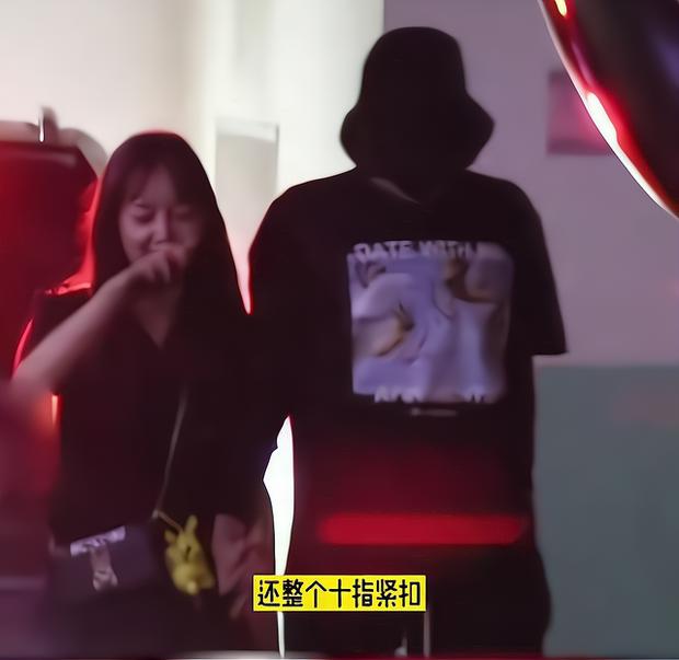 Học trò Lisa phản pháo sâu cay khi bị kéo vào scandal hiếp dâm của Ngô Diệc Phàm và netizen cà khịa dã man - Ảnh 4.