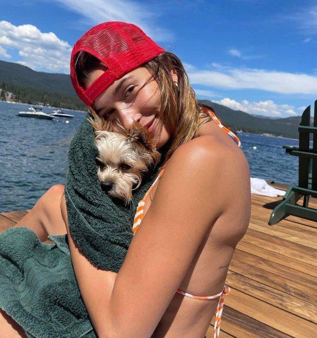 """Justin Bieber xả ảnh du lịch """"chanh sả"""": Hailey lộ nhan sắc thật ngỡ ngàng, nam ca sĩ lại tiều tuỵ đến mức bị nghi lạm dụng cần sa - Ảnh 3."""