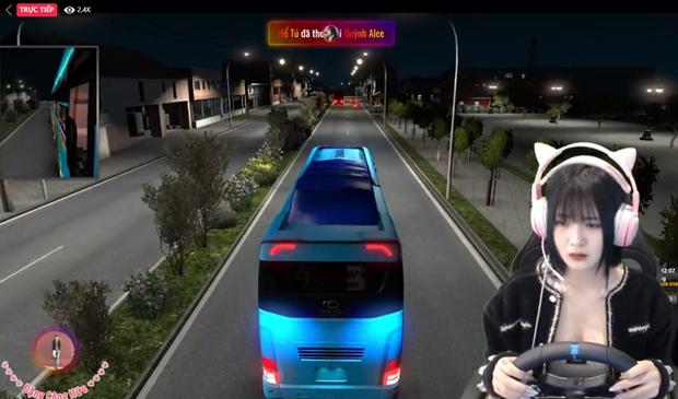 Nữ streamer triệu người theo dõi, livestream lúc ngủ cũng thu được tương tác khủng - Ảnh 1.