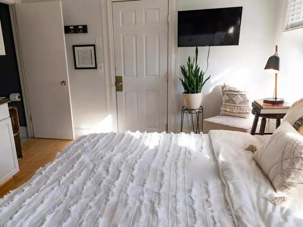 Làm tổ trên giường cả ngày mà không biết 7 cách nâng mood phòng ngủ thì khó mà thư giãn - Ảnh 7.