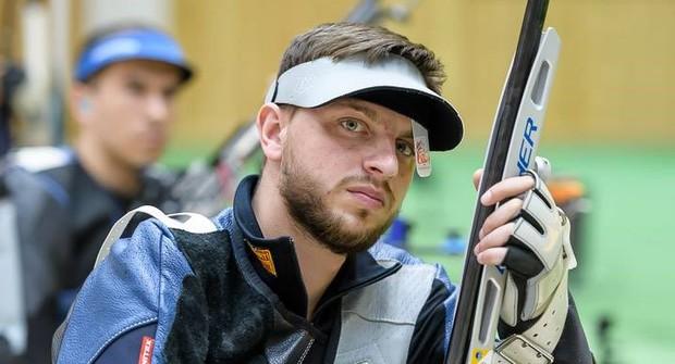 Xạ thủ Ukraine thực hiện bài thi toàn điểm 0, nghe xong lý do mọi người vừa thương, vừa không thể nhịn cười - Ảnh 1.