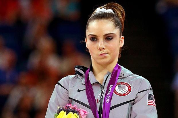 Nhà vô địch Olympic tiết lộ sự thật phũ phàng của thể dục dụng cụ Mỹ, các fan không khỏi xót xa khi nghe toàn bộ câu chuyện - Ảnh 2.