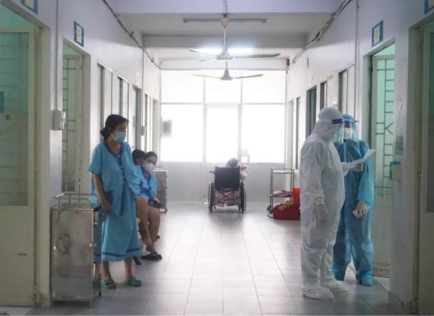 Bác sĩ trải lòng về hành trình cứu chữa các thai phụ mắc COVID-19 - Ảnh 1.