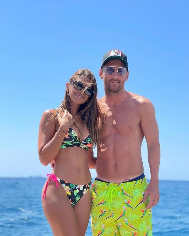 Mặc bồ cũ khoe ảnh nhạy cảm, Neymar thoải mái ôm... bồ cũ khác trên du thuyền sang chảnh - Ảnh 5.
