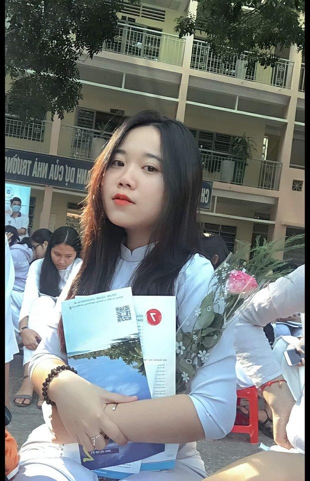 Sĩ tử Sài Gòn là F0: Nhận kết quả dương tính khi còn cầm đề thi trên tay, đi cách ly chỉ với giấy bút, đã đậu ngành Luật - Ảnh 1.