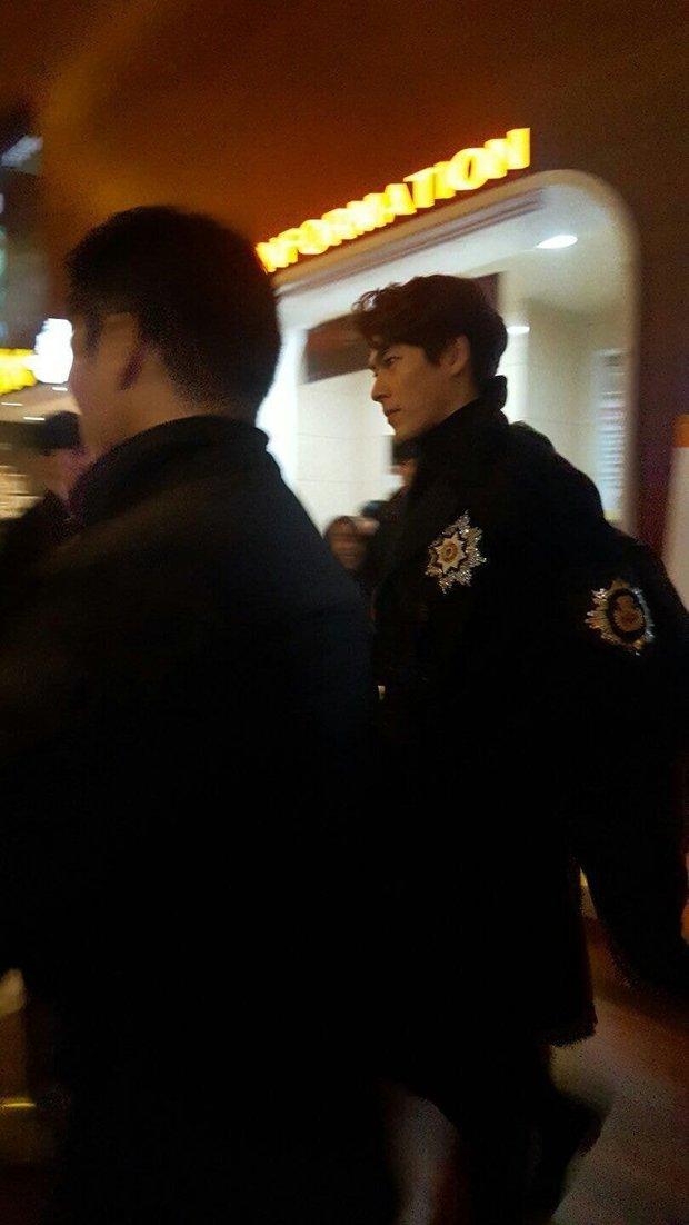 Thử chụp lén dàn tài tử Hàn: Hyun Bin khí chất nghẹt thở, Lee Min Ho chân siêu dài, Lee Dong Wook - Park Seo Joon đẹp điên lên - Ảnh 4.