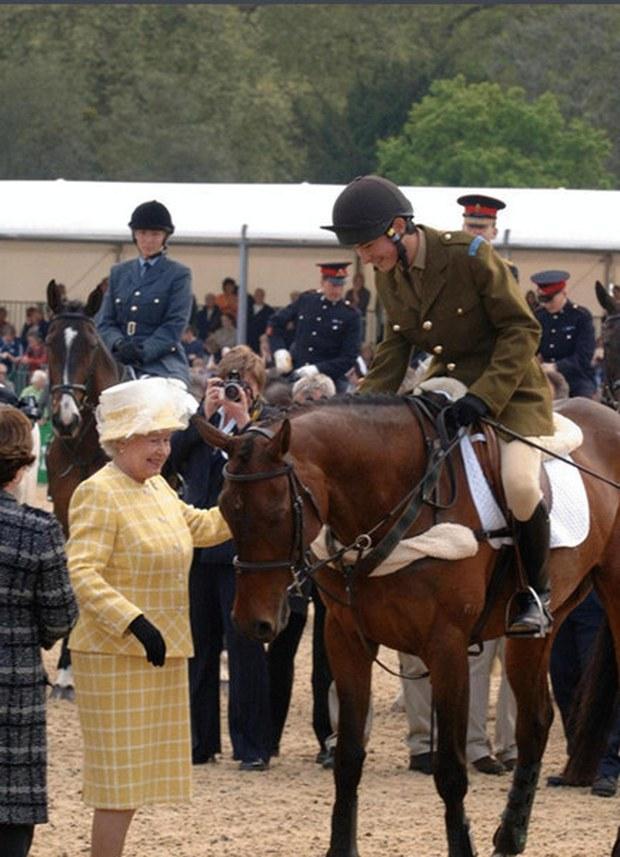 Nam thần đua ngựa Olympic như xé ngôn tình bước ra: Con lai mang dòng dõi hoàng tộc, gia thế hiển hách, tài năng và khí chất miễn bàn - Ảnh 4.