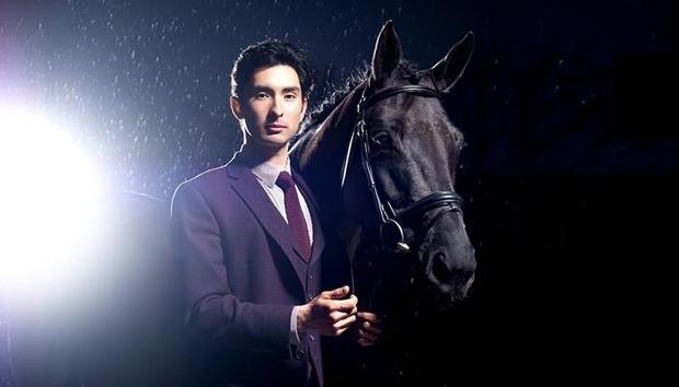 Nam thần đua ngựa Olympic như xé ngôn tình bước ra: Con lai mang dòng dõi hoàng tộc, gia thế hiển hách, tài năng và khí chất miễn bàn - Ảnh 2.