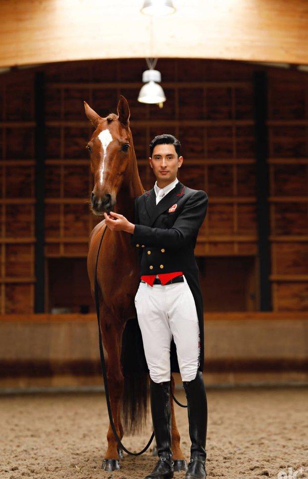 Nam thần đua ngựa Olympic như xé ngôn tình bước ra: Con lai mang dòng dõi hoàng tộc, gia thế hiển hách, tài năng và khí chất miễn bàn - Ảnh 1.