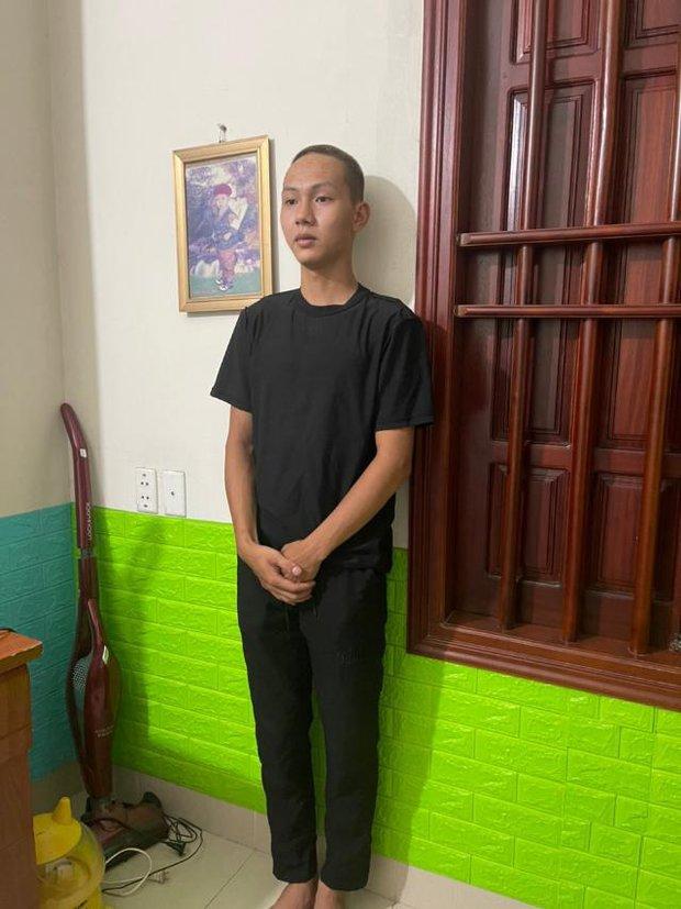 Công an bắt giữ 4 đối tượng trong vụ cướp xe máy của nữ lao công ở Hà Nội - Ảnh 1.