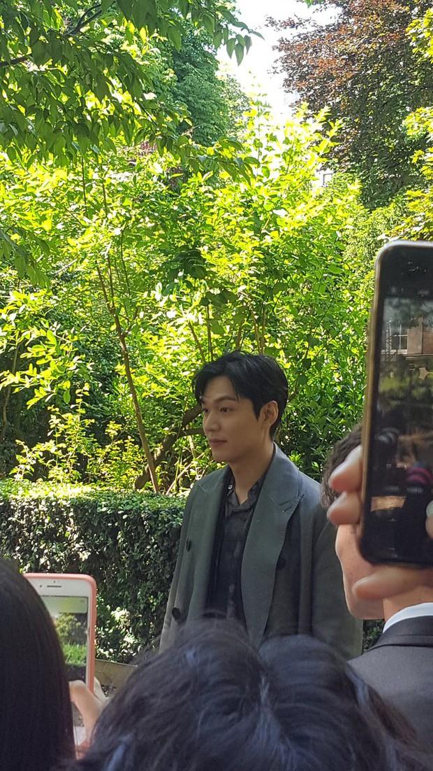Thử chụp lén dàn tài tử Hàn: Hyun Bin khí chất nghẹt thở, Lee Min Ho chân siêu dài, Lee Dong Wook - Park Seo Joon đẹp điên lên - Ảnh 20.