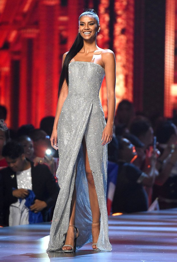Visual đối thủ của Hoa hậu HHen Niê bỗng bị đào lại, đẹp từ A -  Z ngoại trừ chi tiết nhìn mà tức dưới chân - Ảnh 1.