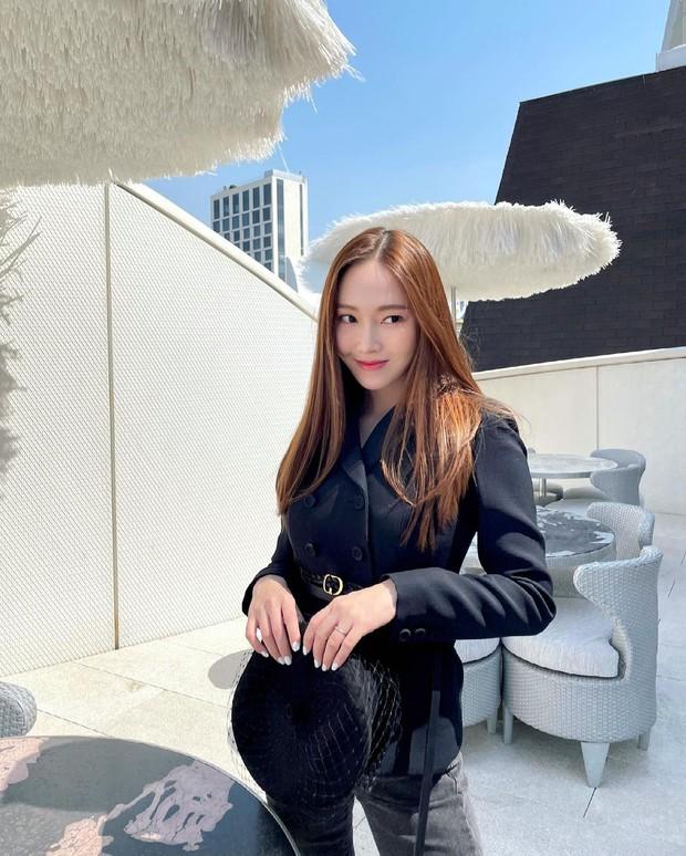 Nhan sắc của SNSD ngày mới ra mắt và bây giờ: Yoona - Taeyeon xứng danh nữ thần, loạt thành viên kém sắc lột xác thấy rõ - Ảnh 49.